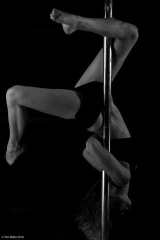 2010-11-28 Pole Dance 089