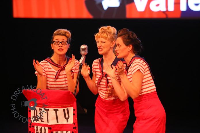 2013-04-27 InsideOutside Theatre Variete 630